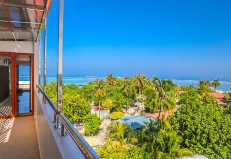 Фото отеля Triton Beach Hotel & Spa 3*