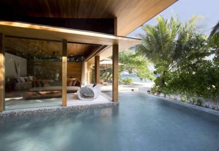 Фото отеля Coco Prive Kuda Hithi Island 5*