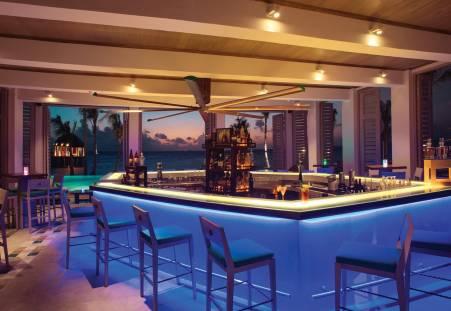 Фото отеля OZEN by Atmosphere at Maadhoo - A Luxury All-Inclusive Resort 5*