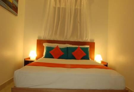 Фото отеля Vaali Beach Lodge Maldives 3*